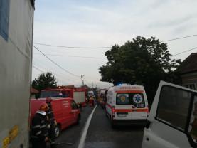 Doi bărbaţi au decedat, alte şapte persoane au fost rănite - Accident mortal pe DN1