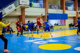 CSM Oradea şi Unirea Sânnicolau Mare - Derby pentru şefia seriei