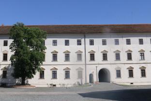 Expoziţii temporare şi permanente la Muzeul Oraşului Oradea