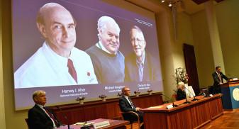 Nobel 2020 - Harvey J. Alter, Michael Houghton și Charles M. Rice primesc Premiul pentru medicină