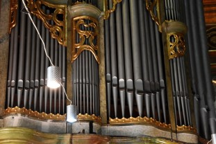 Catedrala Episcopală Romano-Catolică Oradea - Începe dezmembrarea orgii mari
