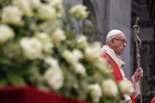 """""""De la cuib la sectă nu este decât un pas"""" - Mesajul Papei de Rusalii"""