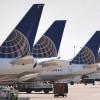 Un pasager cu acte-n regulă a fost târât afară dintr-un avion - Evacuat pentru angajaţii companiei