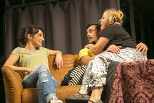 Un spectacol pentru adolescenţi şi tineri - Profu' de franceză, la scena mobilă