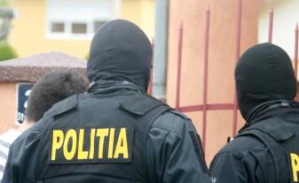 Descinderi la mai multe firme, prejudiciu de 6 milioane de lei - Percheziţii în Bihor