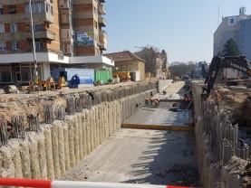 Pasajul subteran de pe Bulevardul Magheru - 28 de grinzi prefabricate în şantier
