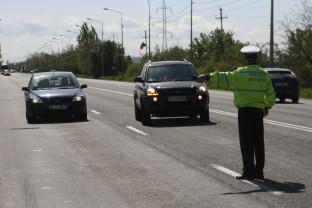 Zeci de poliţişti din Bihor şi judeţele limitrofe în acţiune şi în zilele următoare - Razii pe drumurile judeţului