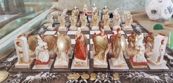 Peste 120 de jocuri de șah din 40 de țări - Colecție unică în România