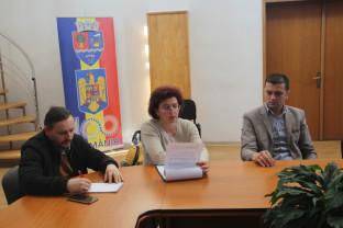 Ștei. Dezbatere publică - Două proiecte pe domeniile social-educativ