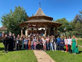 Biserica, instituţie de educaţie moral-creştină - Tabără pentru copii la Aleşd