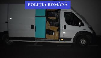 Salontan prins cu mii de pachete de ţigări de contrabandă