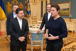 Preşedintele Ucrainei, un fost actor, s-a întâlnit cu Tom Cruise - Trafic de influenţă şi filme