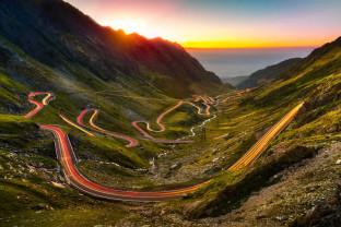 National Geographic - Transfăgărășanul printre cele mai spectaculoase drumuri din lume