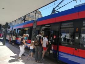 Noile tramvaie Imperio au fost puse în circulație - Orădenii, la plimbare
