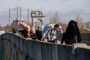 Preşedintele Turciei instigă Grecia să-şi deschidă frontierele către UE - Daţi povara în alte ţări!