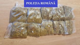 Marghita şi Oradea. În timpul unor verificări în trafic - Tutun fără acte, confiscat de polițiști