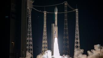 Racheta Vega a lansat cu succes un satelit de observare a Pământului - Cursa pentru spaţiu