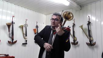 Atelierul de creație al meșterului Cornel Palladi - Primul muzeu al viorii cu goarnă la Beiuș