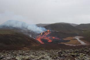 Islanda. Vulcanul Fagradalsfjall - Erupția scade în intensitate