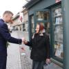 8 Martie cu flori şi mesaje preventive din partea poliţiştilor - Felicitări în trafic