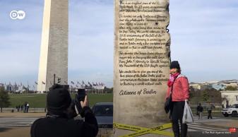 Germanii au trimis la Casa Albă o bucată din Zidul Berlinului - Trump refuză cadoul
