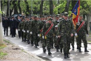 Ziua Eroilor - Ceremonie militară în Cimitirul Municipal
