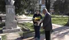 """Parcul central din Beiuş - Omagiu poetului """"Stelelor fixe"""""""