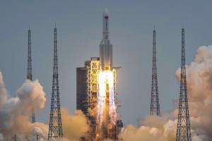 China a scăpat de sub control componentele unei rachete spaţiale