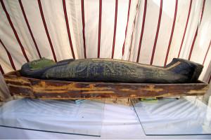 Zeci de sarcofage datând de acum 3000 de ani şi un templu - Descoperiri importante în Egipt