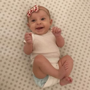 O fetiță s-a născut dintr-un embrion congelat timp de 27 de ani
