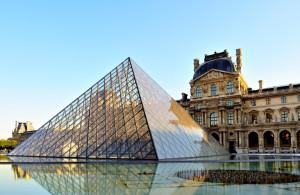 Fluviul Sena iese din matcă şi inundă clădiri emblematice din capitala Franţei - Muzeul Luvru îşi pune la adăpost capodoperele