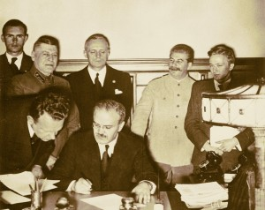 80 de ani de la Pactul dintre Hitler şi Stalin - Dezmembrarea României Mari