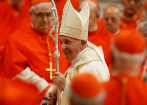 A numit 13 noi cardinali, printre care şi primul afro-american - Papa Francisc priveşte spre viitor