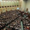 Parlamentul polon a adoptat reforma controversată a Curții Supreme - Sfidează pe faţă UE