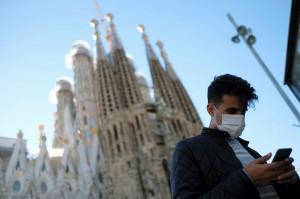 Simbolul Barcelonei a fost redeschis pentru public, în trei faze - Sagrada Familia, doar cu mască