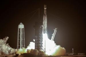 Cea mai puternică rachetă SpaceX a realizat o performanţă - 24 de sateliţi lansaţi