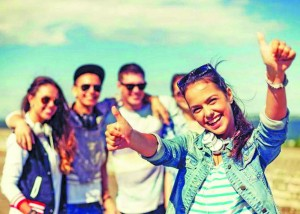 Vârsta la care părăsesc tinerii europeni casa părinților - Româncele, pe cont propriu de la 25 de ani