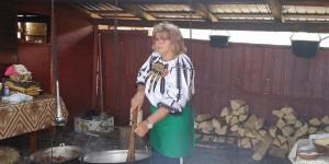 Preparată la o stână de pe Transalpina - Tocanul de oaie, produs tradițional